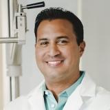 Dr. Ezer Camacho